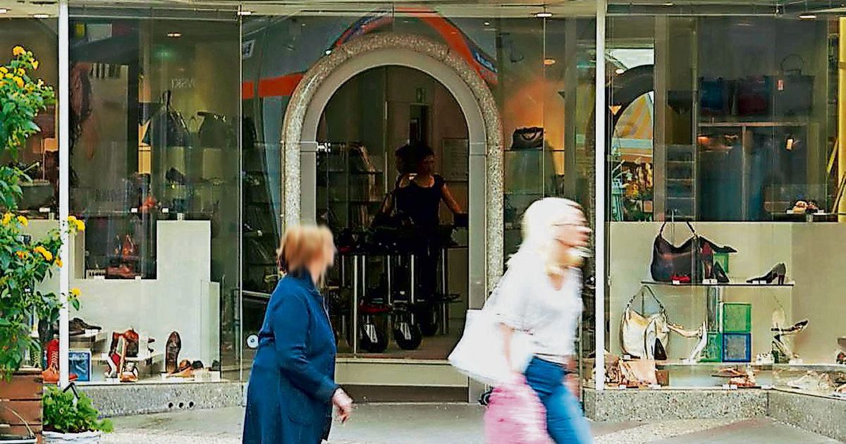 official photos 04363 7caee Schuhhändler schließt drei Filialen