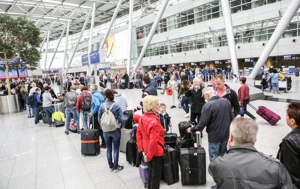 Flughafen Dusseldorf Was Passagiere Zum Ferienstart Wissen Mussen