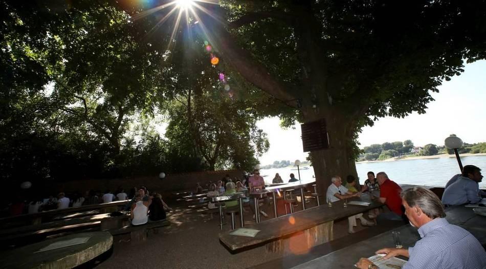 Düsseldorf: Gastronomen eröffnen die Terrassensaison