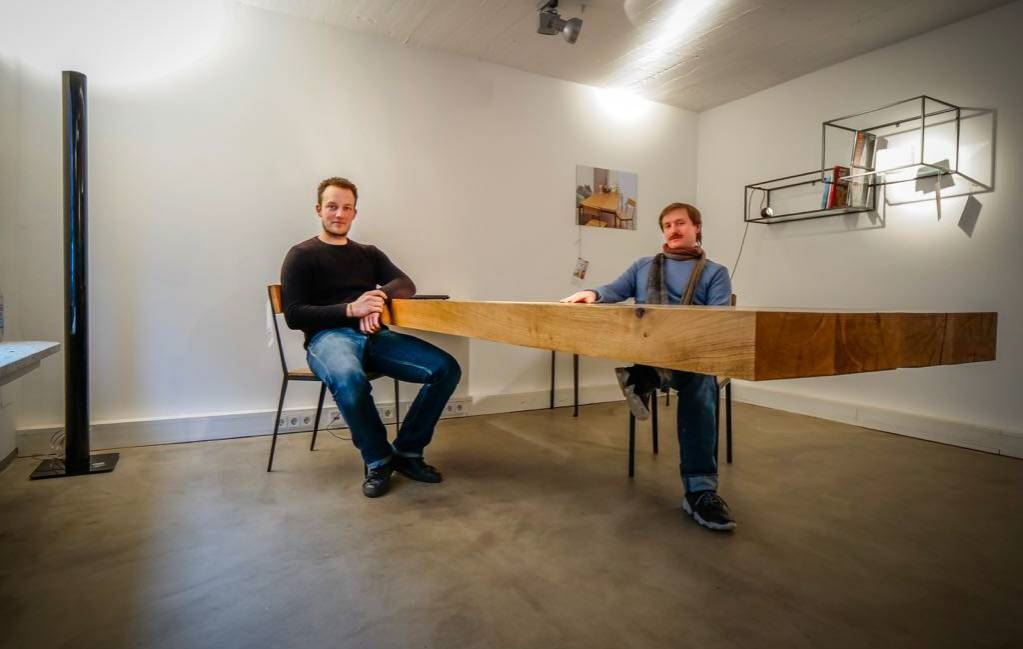 Christian Siep Bringt Mobel Zum Schweben