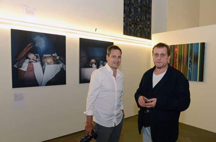 Benefiz Ausstellung Fotos Von Dieter Nuhr Kaufen Und Etwas Gutes Tun