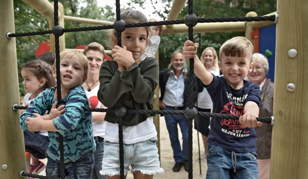 Klettergerüst Für 2 Jährige : Krefeld: kinder freuen sich über neues klettergerüst
