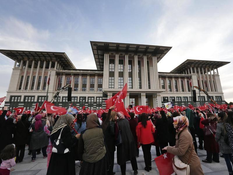 Konflikt Abstimmung Uber Todesstrafe In Turkei Kann In