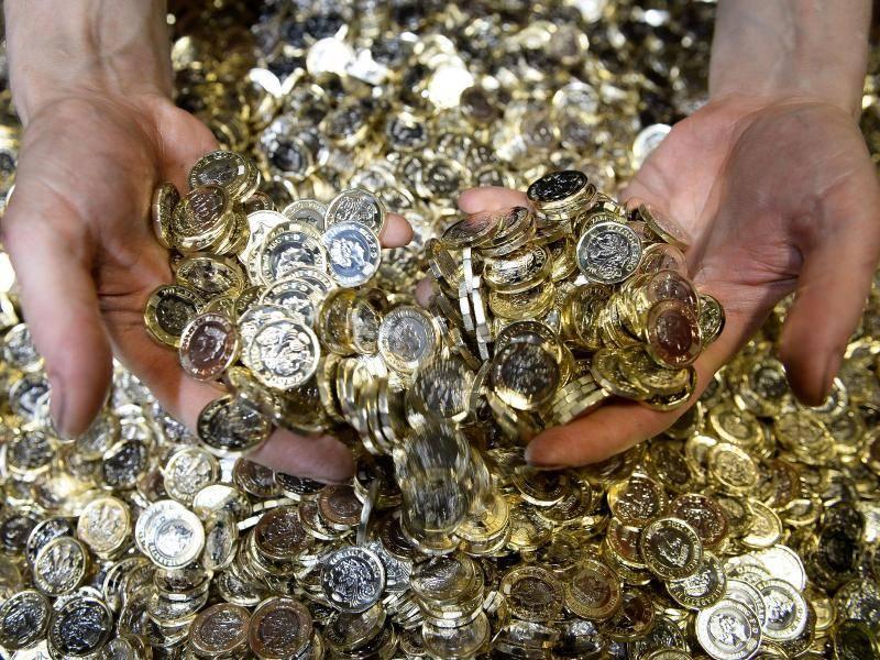 Umtauschen Oder Verreisen Alte Ein Pfund Münze Gilt Nur Noch Bis 15