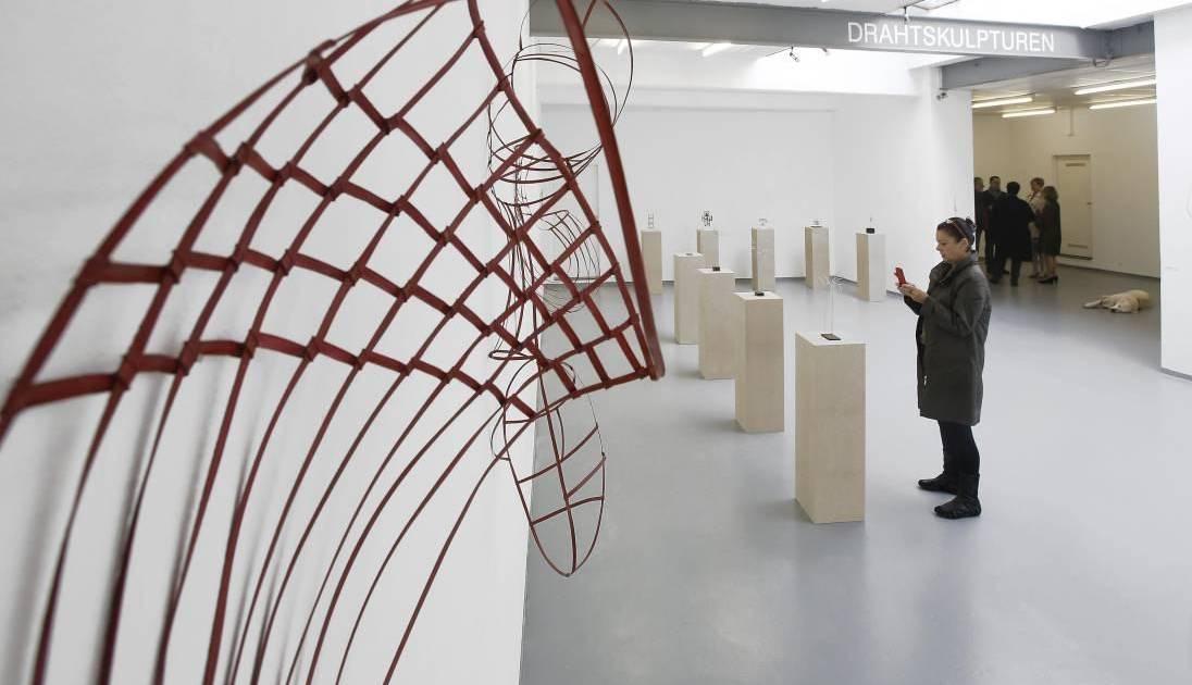 Galerie Fochem Grosse Kunst Aus Dunnem Draht