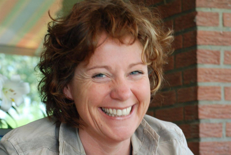 Auszeichnung Für Moderatorin Steffi Neu Und Redakteurin Vera Laudahn