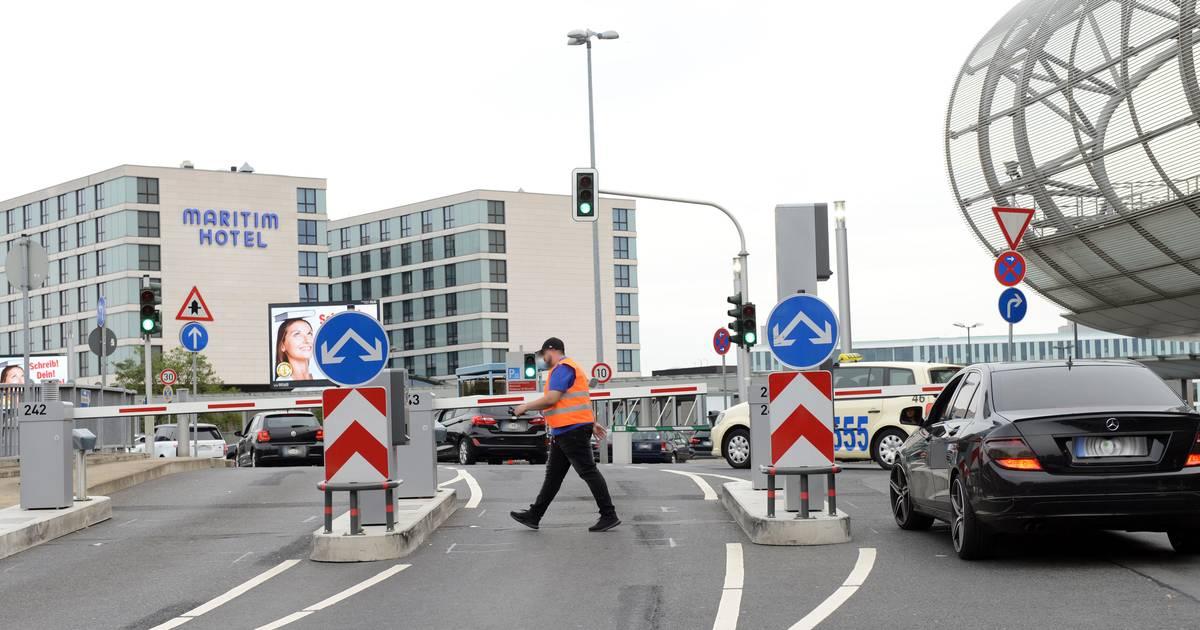 Parken Nach Schranken Chaos So Will Der Flughafen Dusseldorf Das