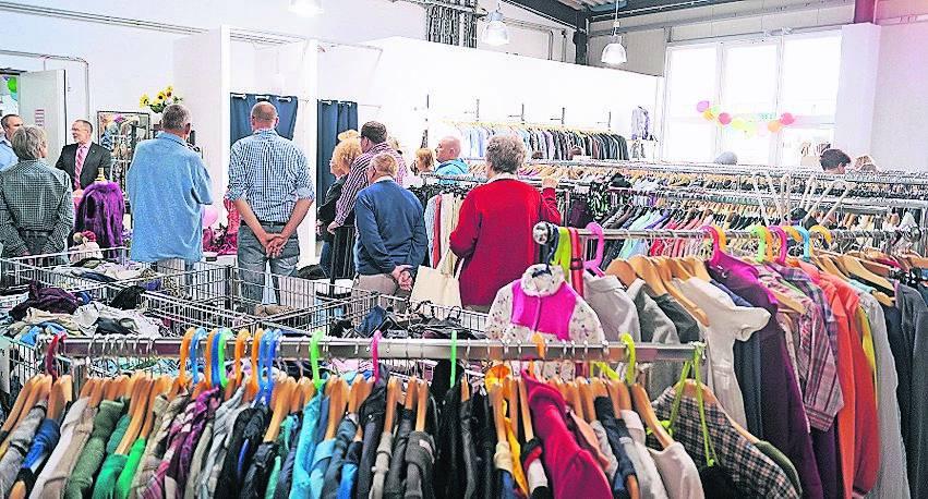 Neues Kaufhaus Der Caritas In Krefeld Bietet Waren Zu Günstigen