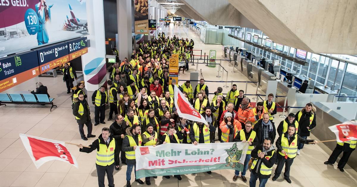 Streik Am Flughafen Dusseldorf Und Koln Bonn Hunderte Ausfalle