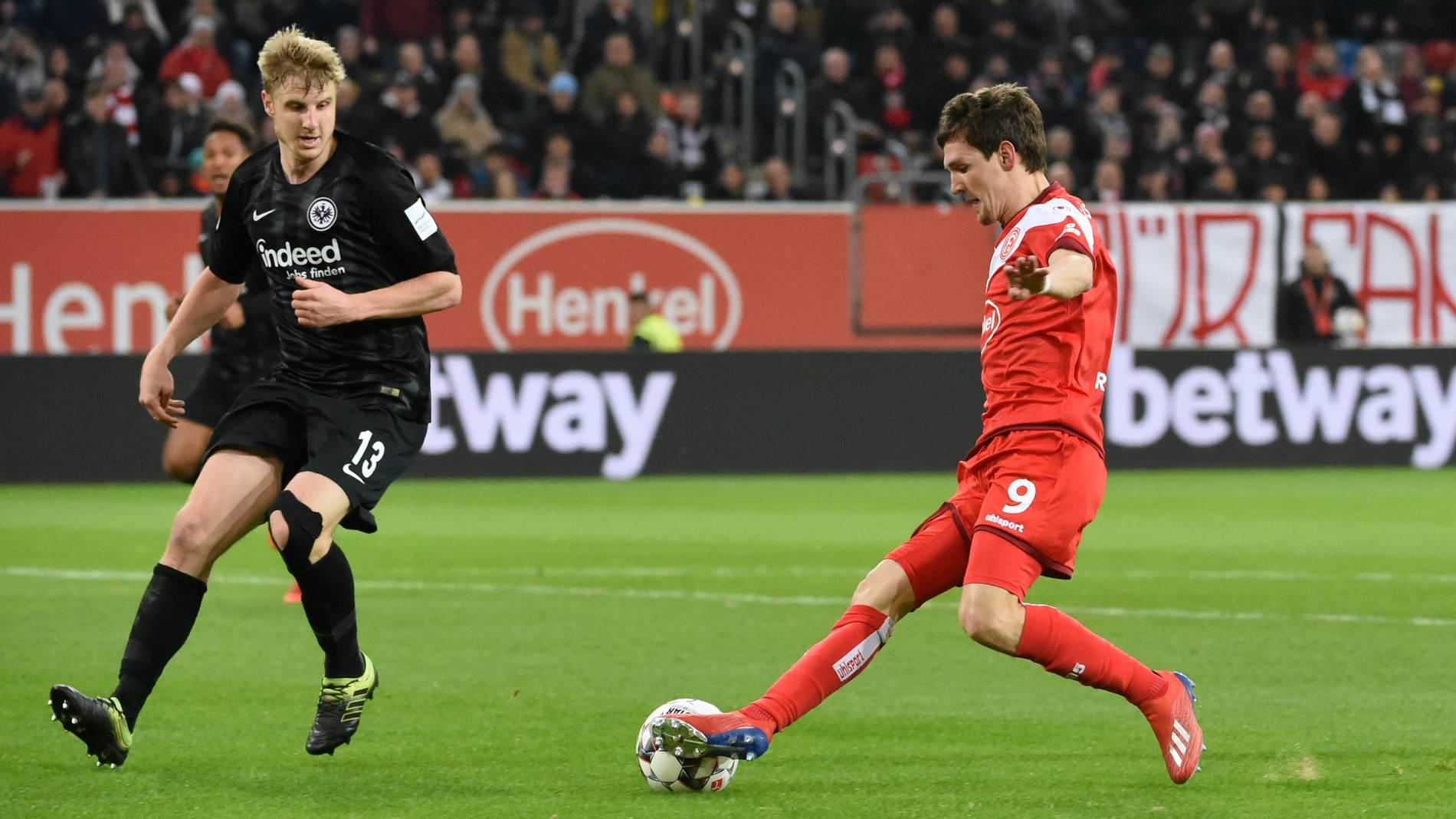 Düsseldorf Gegen Frankfurt