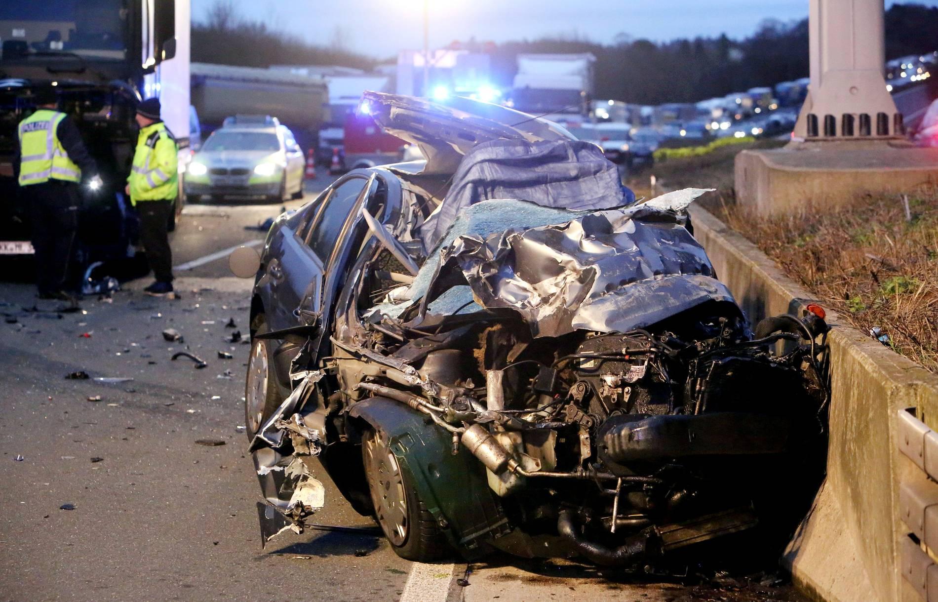 A3 Richtung Koln Todlicher Lkw Unfall Sorgt Fur Sperrung