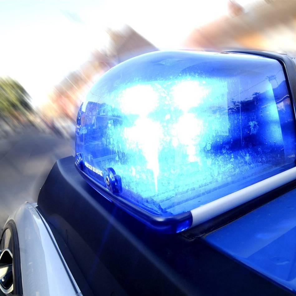 Vorfall in Krefeld: Diebe stehlen Roller und setzen ihn in Brand