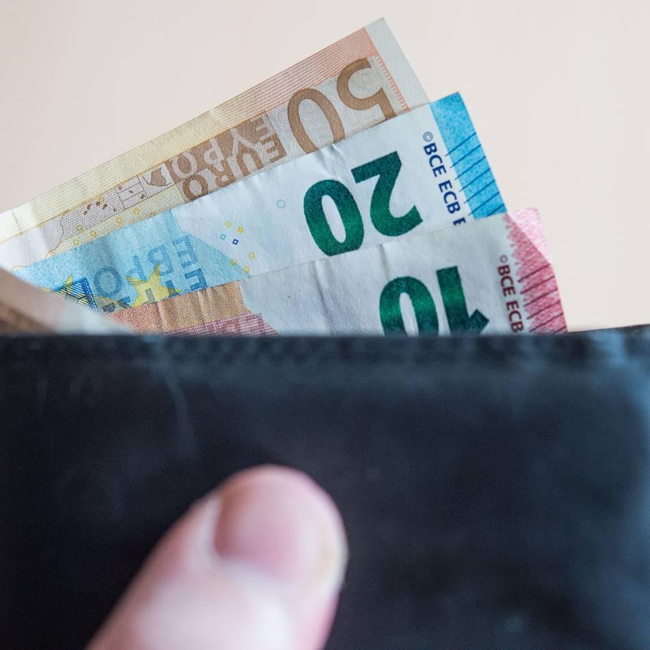 Einkaufen, Organspende und Arbeitsmarkt: Das ändert sich im April für Verbraucher und Steuerzahler