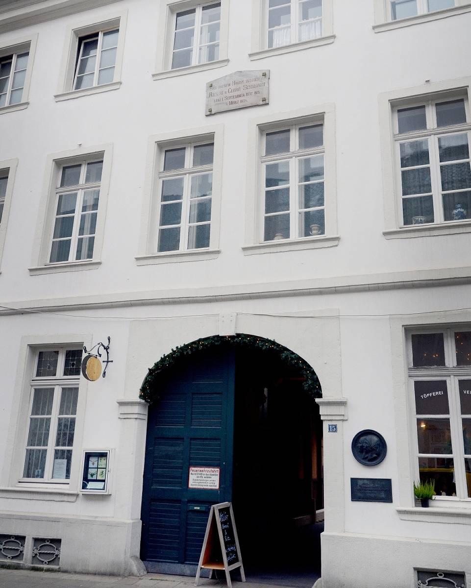 Dusseldorfer Schumann Haus Braucht Weniger Gegenspieler