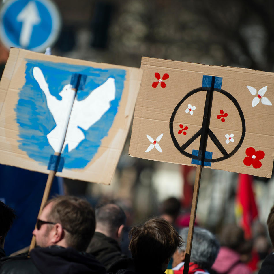 Ostermärsche: Friedensaktivisten ziehen durch NRWs Städte