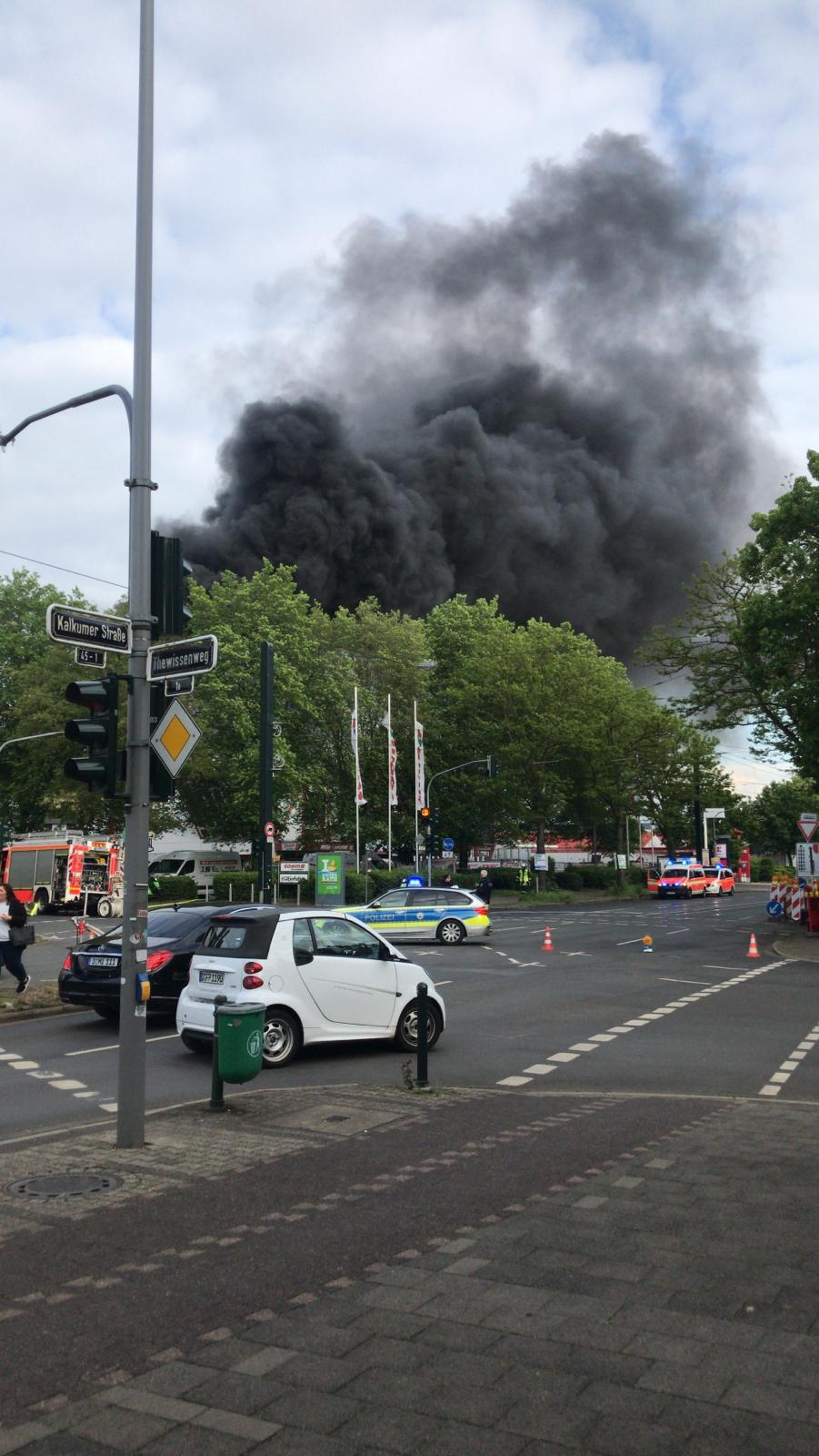 Dusseldorf Toom Baumarkt In Unterrath Flammen