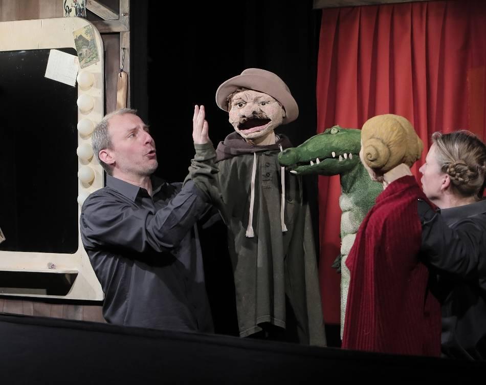 Puppentheater : Als Domina in den Pritschenkeller