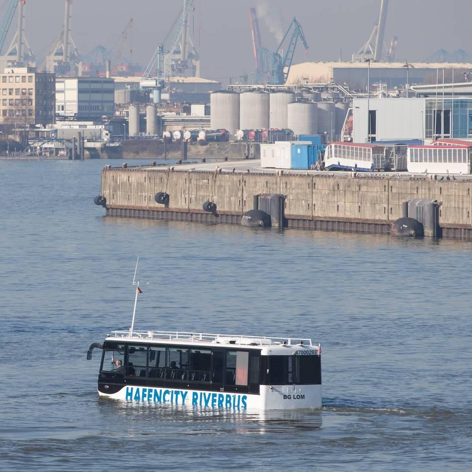Unparteiisch: Sind Wasserbusse auf dem Rhein eine Alternative?