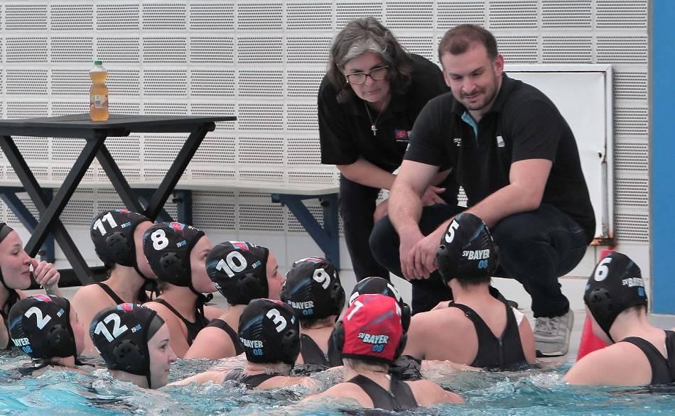 Wasserball: Bayer-Damen ziehen ins Wasserball-Finale ein