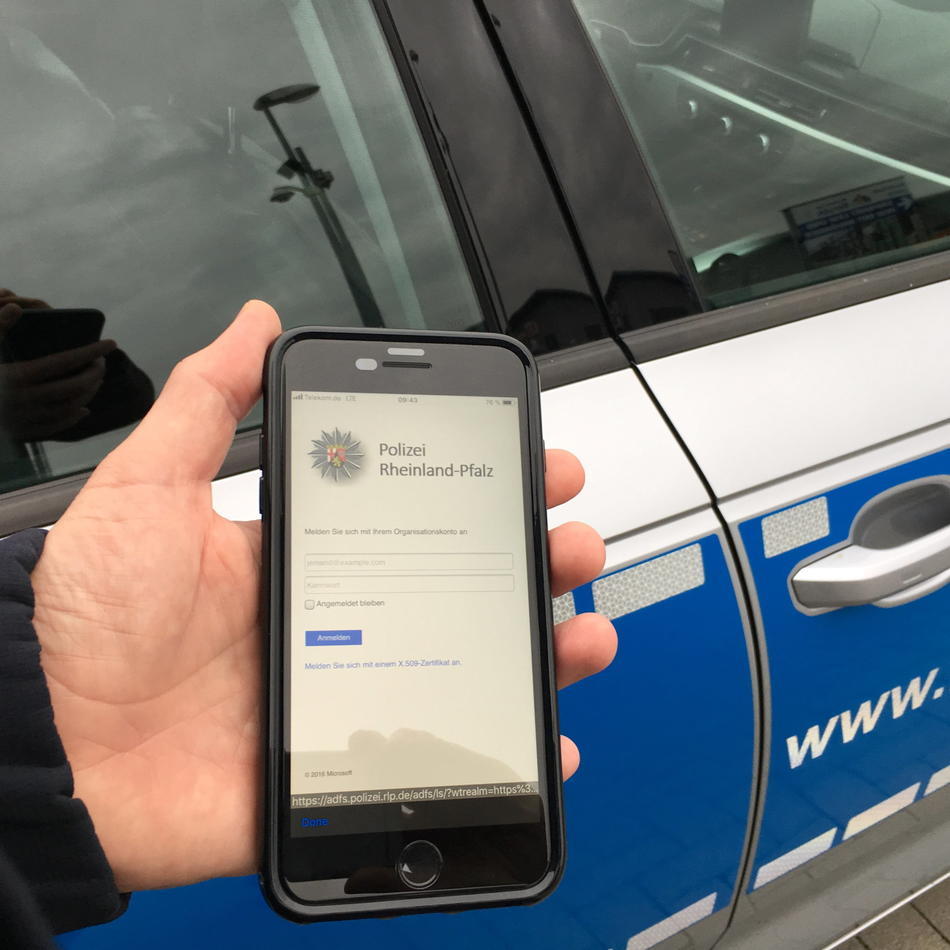 Schneller und mobiler: NRW-Polizei startet Pilotphase für Smartphones
