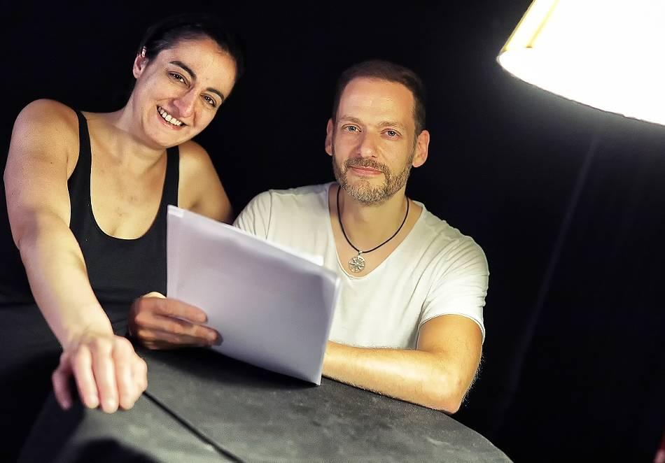 Stadtbücherei Haan: Erkrather Schauspieler lädt zum Biennale-Auftakt zur Lesung