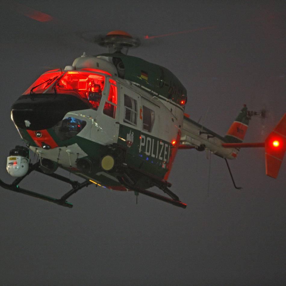 Zusammenstoß: Krefelder Polizei sucht Unfallfahrer mit Hubschrauber