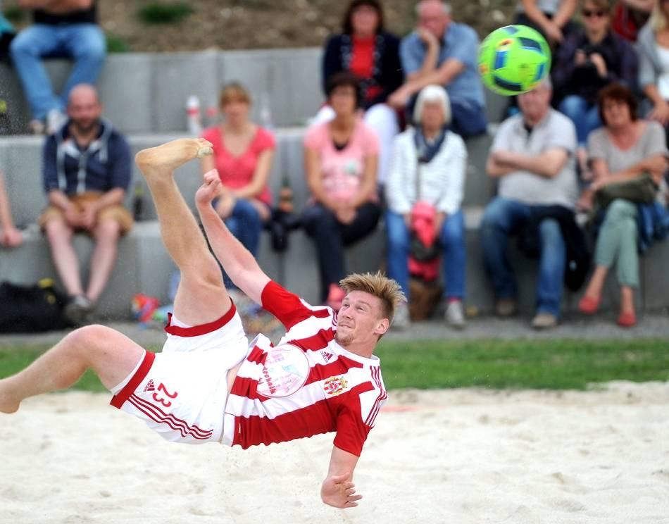 WM-Qualifikation in Moskau: Beach Soccer: Drei Düsseldorfer mit Nationalteam im Achtelfinale