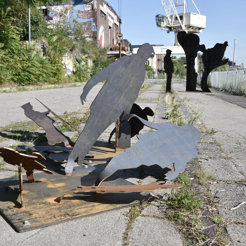 Uerdingen: Unbekannte zerstören Kunst an der Rhine Side in Krefeld