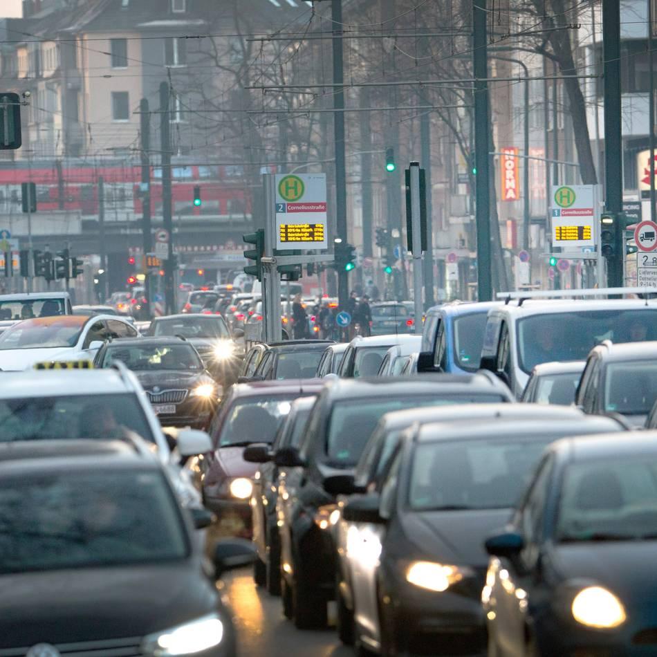 Verkehr: Düsseldorf: Kammern lehnen eine City-Maut ab