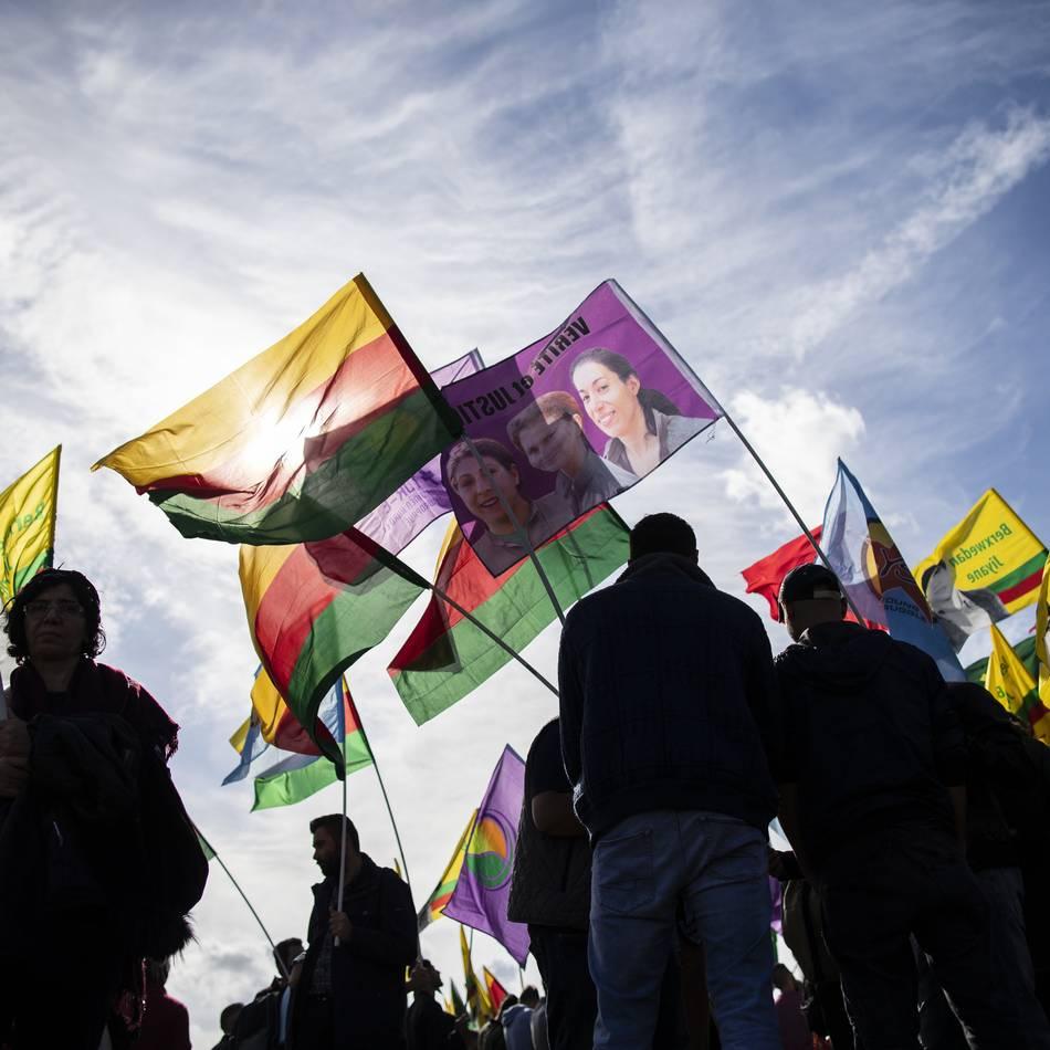 Protest gegen Erdogan: Mehrere Kurden-Demos in Düsseldorf - Resolution an WDR übergeben