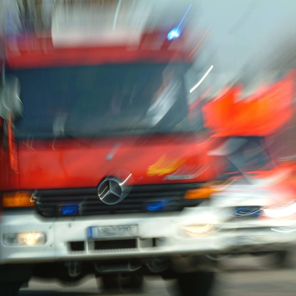 Feuerwehr-Einsatz: Sorge um Helfer wegen Rauchgas