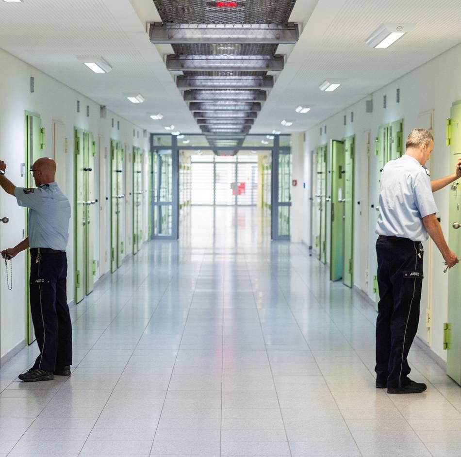 Düsseldorf: Algorithmus soll Straftäter in NRW vor Suizid bewahren