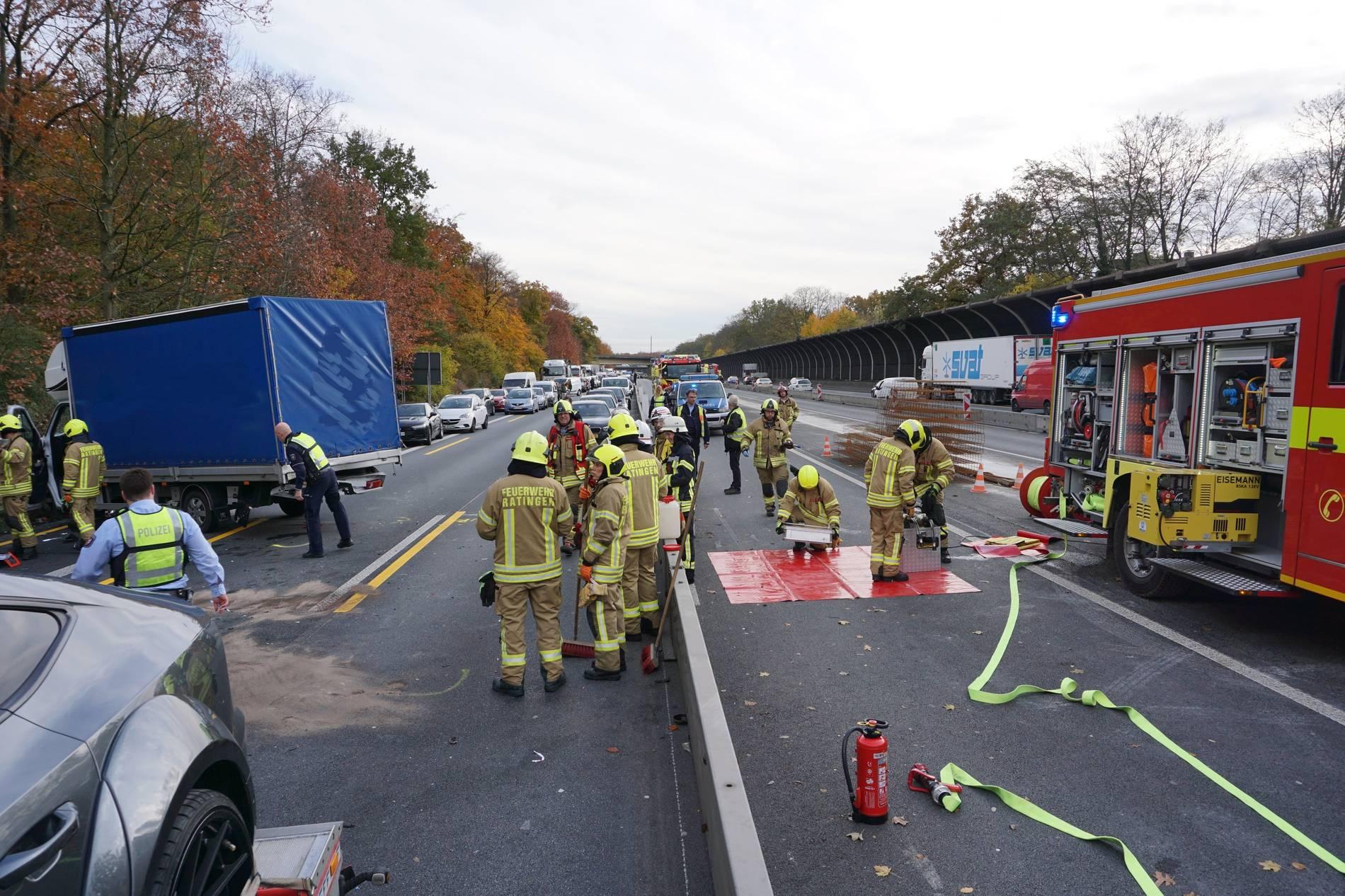 Schwerer Unfall Auf A3 Autobahn Gesperrt Langer Stau