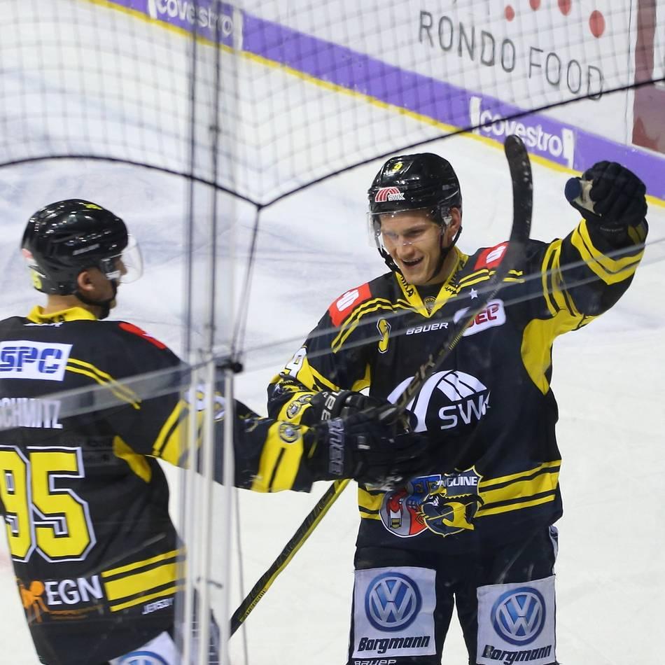Eishockey: Arturs Kruminsch feiert seine Torpremiere