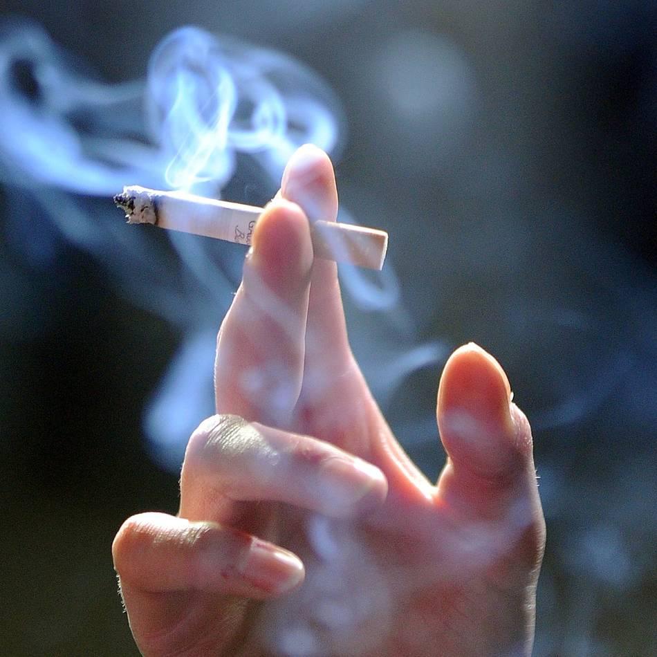 Abstimmung im Bundestag: Union gibt Weg für neue Werbeverbote fürs Rauchen frei