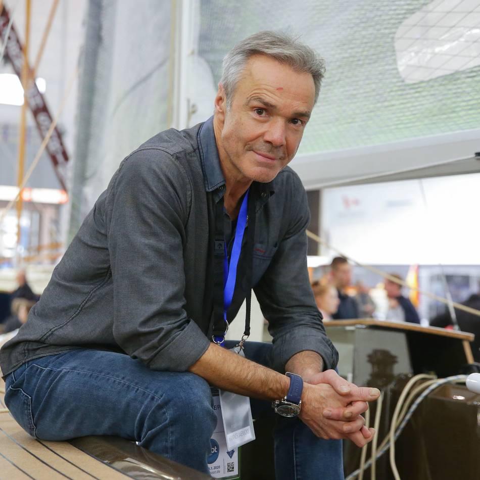 """Auf der Messe """"boot"""": Schauspieler Hannes Jaenicke äußert sich zum Brand im Krefelder Affenhaus"""