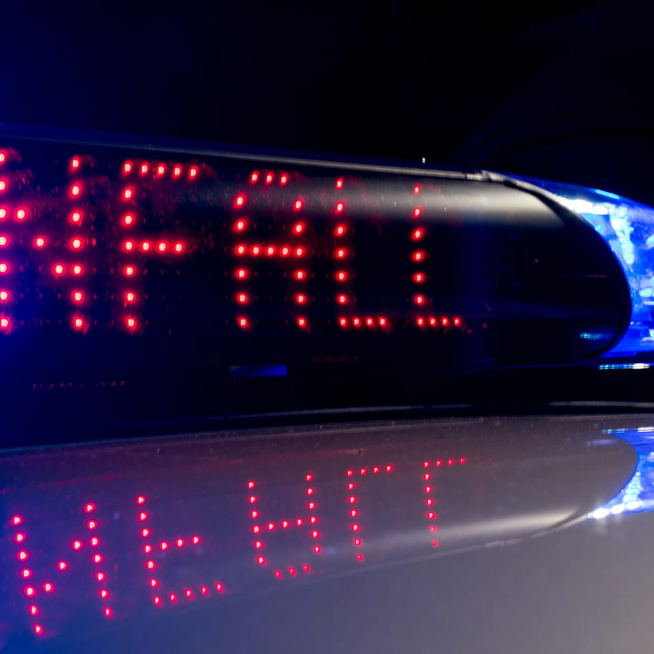 Unfall: Auto erfasst 17-jährigen Radfahrer – und fährt weiter