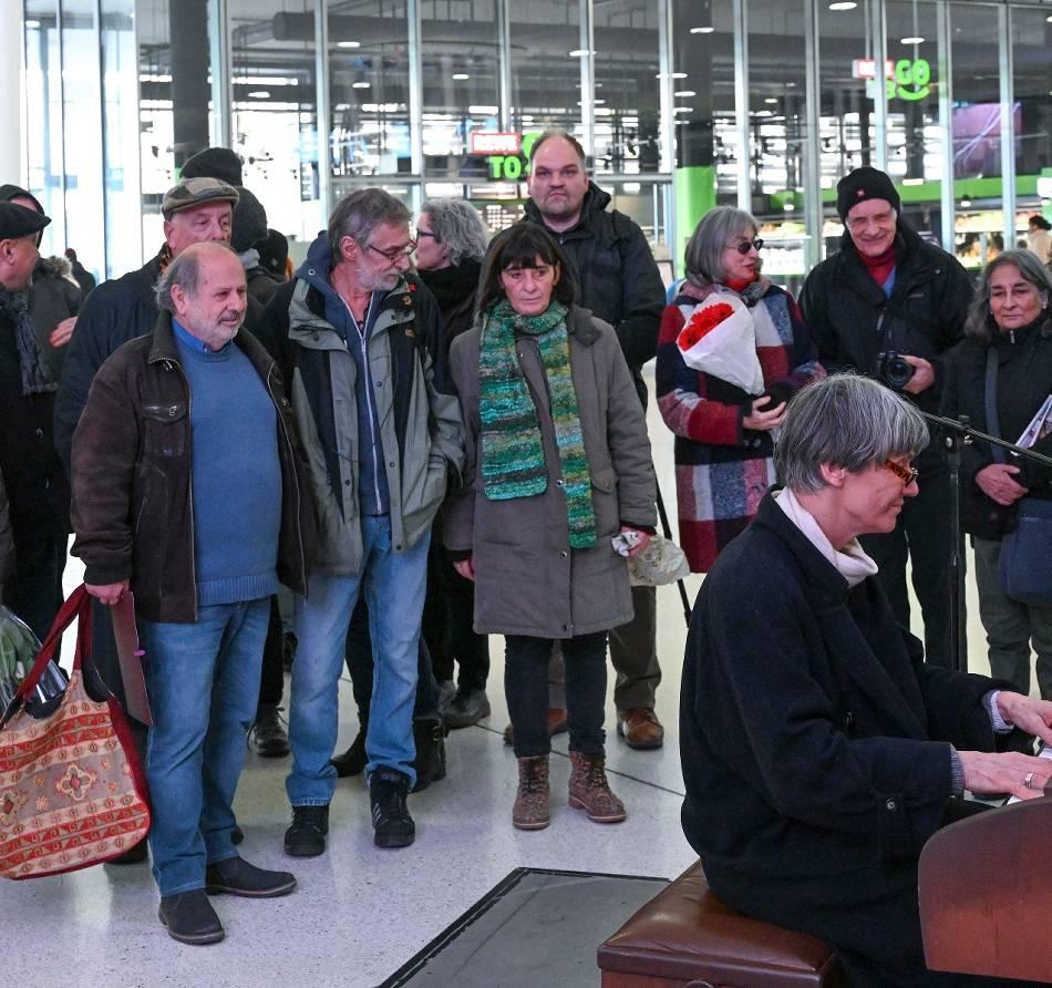 Rundgang: Wuppertaler erinnern bei Rundgang an die NS-Opfer