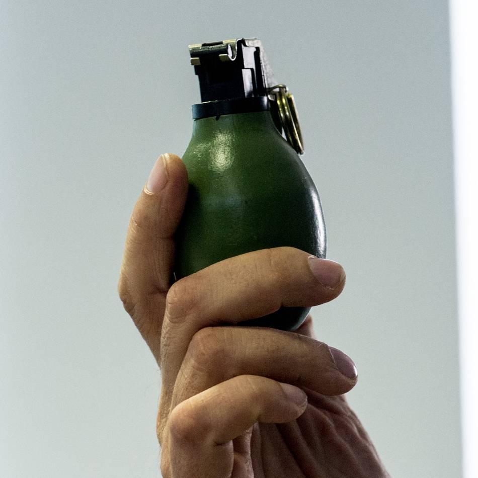 Mönchengladbach: 85-Jähriger bewahrt Handgranate in seiner Wohnung auf