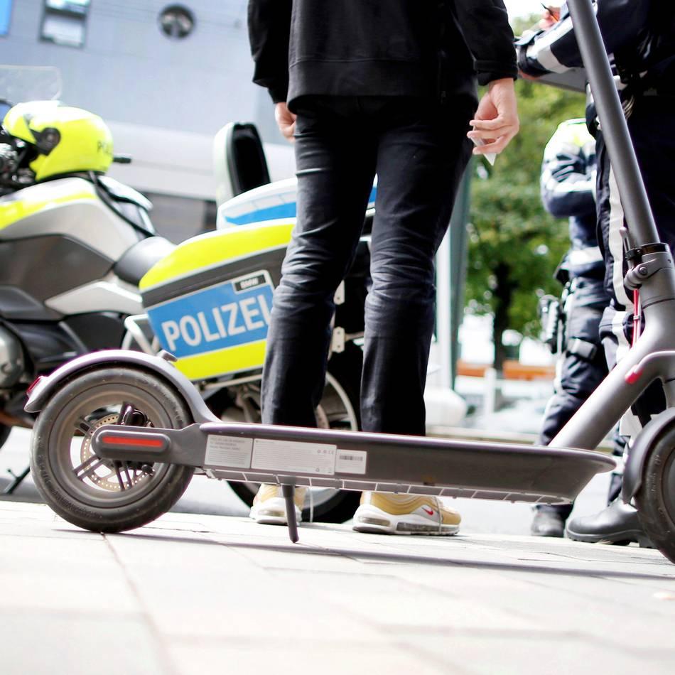 Teures Vergnügen: Führerschein weg nach Promillefahrt mit E-Scooter in Düsseldorf