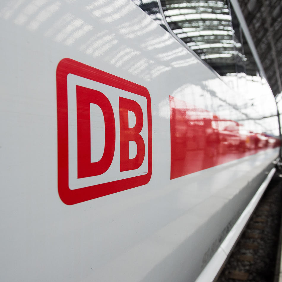 """Deutsche Bahn: Sturm """"Victoria"""" in NRW: Etliche Züge fallen aus"""