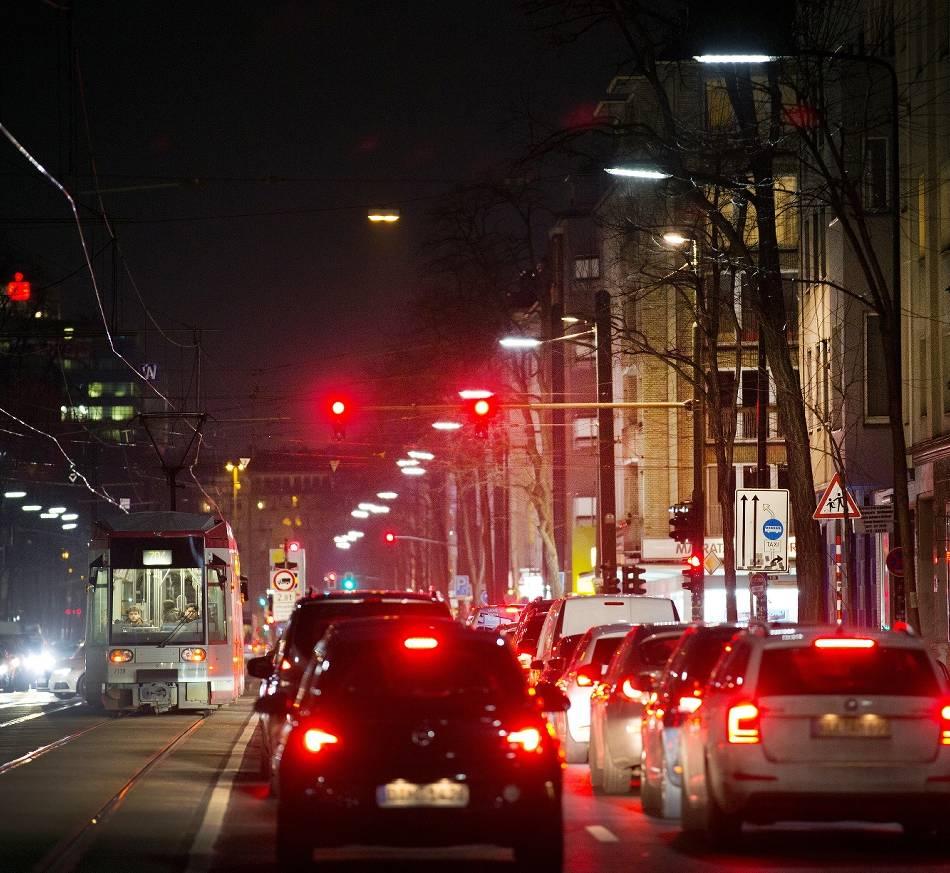 Mobilität: Stadt will Bus und Bahn mehr Vorfahrt gewähren