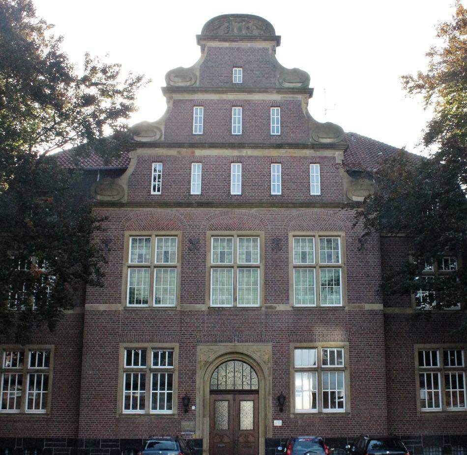 Historisches Gebäude: Das Rathaus vereint Jugendstil und Nachkriegszeit