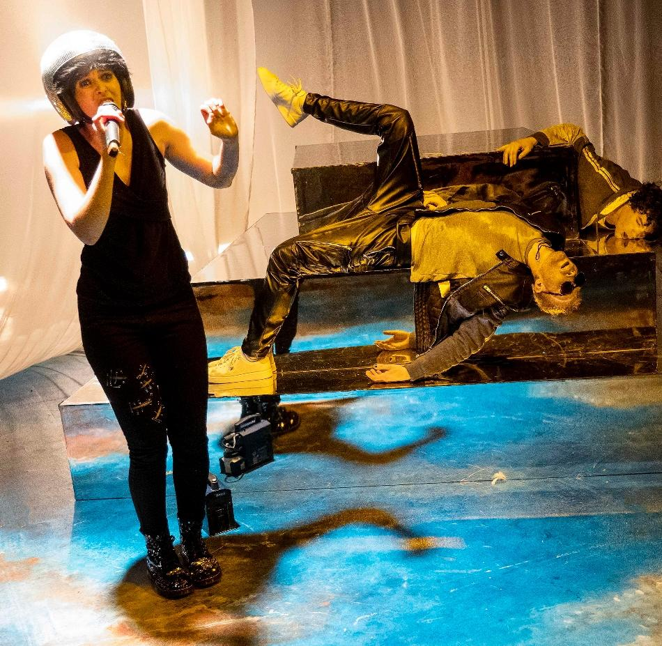 "Schauspiel: ""Tschick"" feiert in Krefeld Premiere"