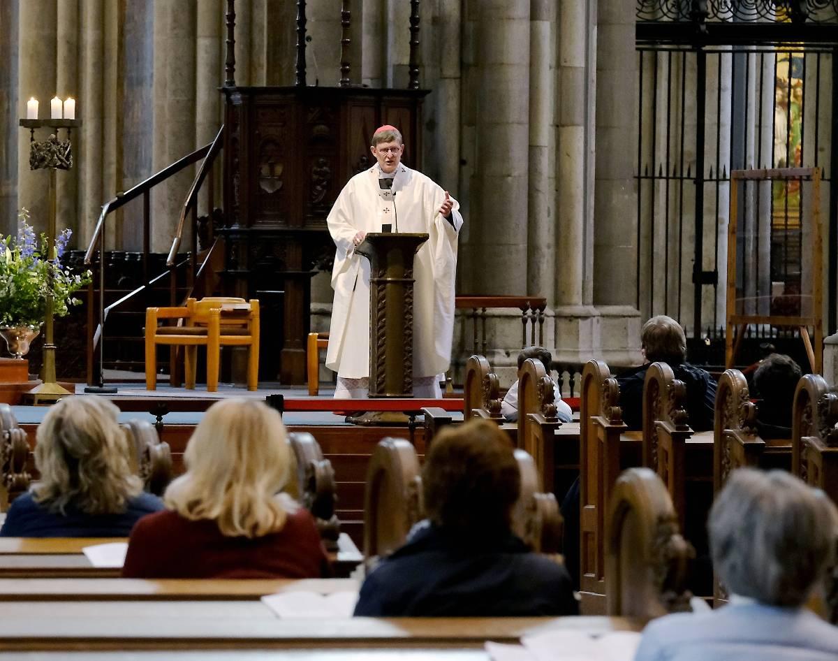 Gottesdienst Dom 122 Glaubige Feiern Die Erste Corona Messe Im Kolner Dom