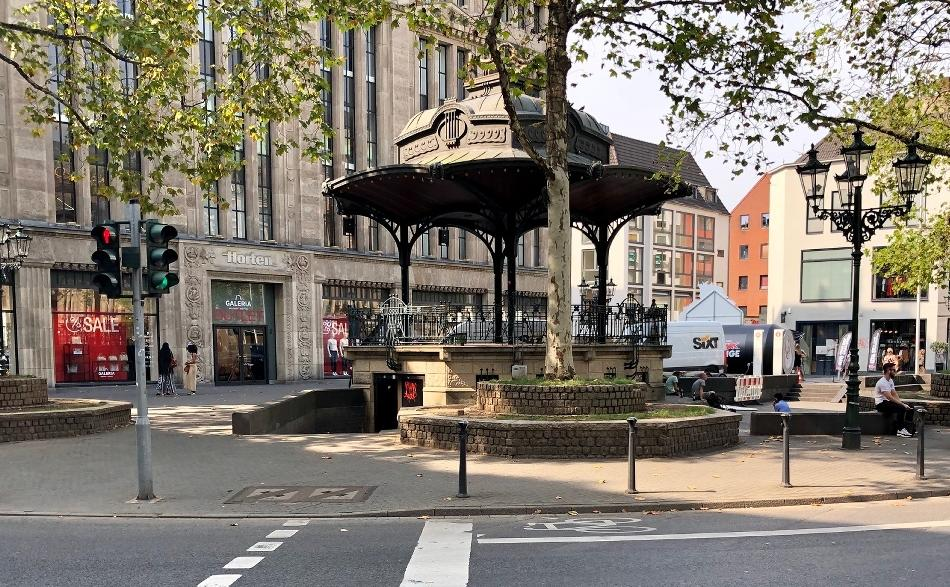 Heinrich-Heine-Platz: Platz vor dem Carsch-Haus: Planungen gehen voran