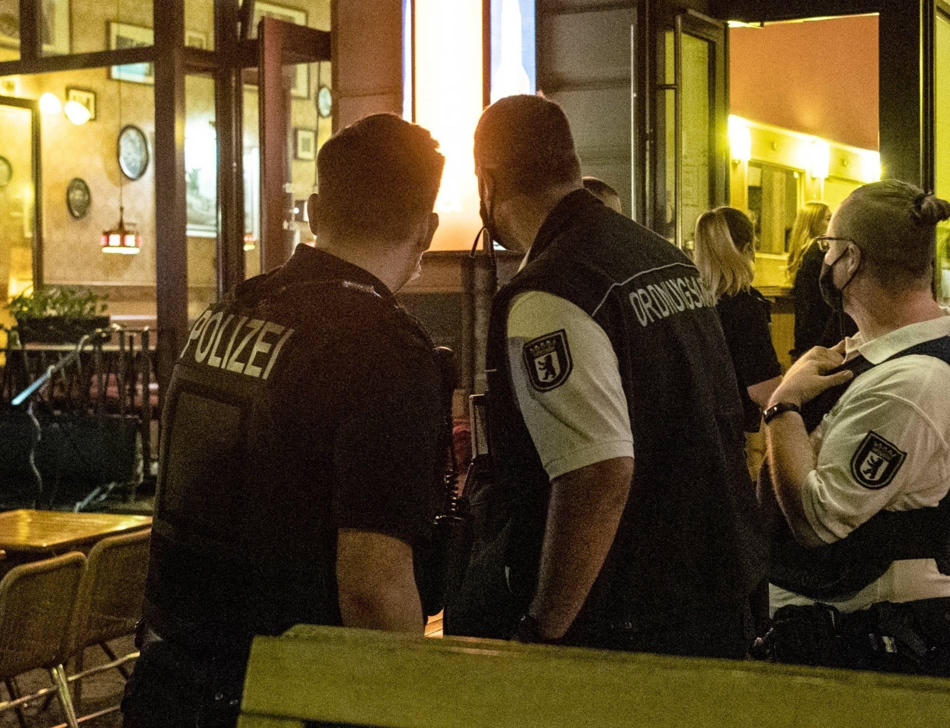 Corona in NRW: Wann die Polizei die Wohnung betreten darf